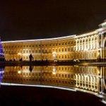 Дворцовая площадь, Санкт-Петербург. http://t.co/qlYMC8mmqA