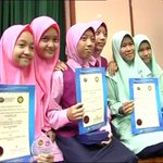 The number of candidates who scored straight As in this years UPSR was lower compared to 2013. #ntv7 #upsr2014 http://t.co/mF1xeG4h6E