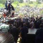 Earlier on: The body of the late Senator Otieno Kajwang arriving at Uhuru Park for public viewing. #RIPKajwang http://t.co/dbCl51ugOb