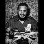 COMUNISTA al fin ... para la gente miseria pero para él #CocaCola - #FidelCastro #Cuba http://t.co/wLQj5hW1iG.