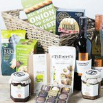 #WinItWednesday: Have you entered our weekly competition to win a festive hamper?http://t.co/5WXXB1ufaX #Henley #Xmas http://t.co/EF6jLgMl1K