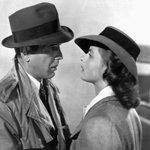 26 ноября 1942 года состоялась премьера легендарной «Касабланки» с Хамфри Богартом и Ингрид Бергман http://t.co/Wn5pI4fXsP
