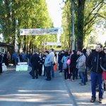 Universidad Austral amanece tomada por trabajadores de Sindicato Nº1 en #valdiviacl #Chile Demandan mejores sueldos http://t.co/snikXminWj