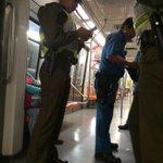 Exigiendo mis derecho detenido ilegalmente por funcionarios de metro y carabineros @metrodesantiago @southtemplariu http://t.co/T49vqF6C1I
