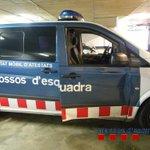 Detingut després dintentar atropellar tres Mossos i xocar contra un furgó policial a #Salt http://t.co/i7uoBZwRQn http://t.co/1YgI098hBs