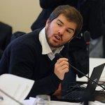 "Giorgio Jackson: Las autoridades tenemos sueldos ""que no corresponden a la realidad nacional"" http://t.co/uS4YL68AGn http://t.co/8HMZHddAuV"