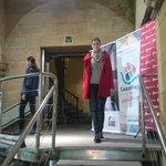 #tendencias, #moda actual para personas reales. Es el Casco Viejo de #Bilbao. #7kaleetanArropARTE desfile Museo Vasco http://t.co/mzt11I4w5k