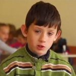 """""""Я не хочу остаться без дома"""". Дети-беженцы с Донбасса рассказали о своем """"опыте войны"""" http://t.co/4j5iZxPBrm http://t.co/cjPvxk79uI"""