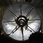 Workers installing the 360 degree ocean tunnel @SEALIFEOrlando http://t.co/RwJcKdAC0y http://t.co/zjjlADHLaY