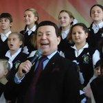Иосиф Кобзон отказался от звания «Народный артист Украины» http://t.co/SVuG5AjVWM http://t.co/0wcjK3Xd8d