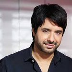 BREAKING: Jian Ghomeshi charged with four counts sex assault and choking http://t.co/cwDU4RXaD0 http://t.co/7ihOXQbC9q