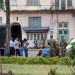 @COL_EJERCITO Haciendo batidas en Ibagué. @petrogustavo @CLOPEZanalista @rubencorreac @IvanCepedaCast @JuanManSantos http://t.co/qdw2mNze37