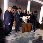 President Kennedy pardoning the White House turkey in 1963 #TBT http://t.co/y0DhrGb9Og