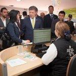 Presidente @JuanManSantos recorre las instalaciones de la Agencia Pública de Empleo del #SENA en Bogotá http://t.co/kHQlj1BFss