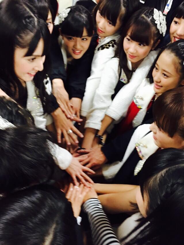 遅くなってしまいましたが、本日、横浜アリーナにて道重さゆみ卒業式公演、終了しました! 道重リーダー、最後まで、めちゃめちゃかっこよくて、可愛かったです!!  #morningmusume14 http://t.co/kJhjQrvkST