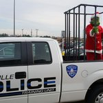 Dont let the Grinch steal your Christmas goodies!! Dont leave purchases unattended in plain sight. #JunkInTheTrunk http://t.co/qnFZZ0XPVo