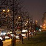 Liikenteen ja kaupungin valot, #Teollisuuskatu Itäväylän suuntaan. #photography #traffic #Vallila #Helsinki #Finland http://t.co/YvZb7nD0D6