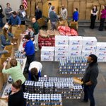 Photos: @mutualofomaha employees assemble, deliver Thanksgiving food baskets http://t.co/EhHJe91agO http://t.co/ITqNS8Kuvc