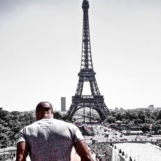 Dope. @hit_lakeshore // Paris, France. #travelnoire #paris http://t.co/S4ETP4vSn2