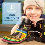 Give back! RT and help @ShoeDazzle raise awareness for @StJude! #ShoeDazzleCares http://t.co/A26TxI8ipr http://t.co/3x8Rx1CgRA