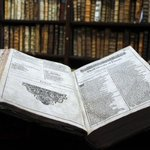 Rare Shakespeare First Folio discovered in French library http://t.co/P1Nu8LGf5D #losangeles http://t.co/GRwpSp3cLE