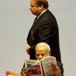 When Sharif walks for speech, Modi reads newspaper. http://t.co/xQ7FbrtGBQ @narendramodi_in @PMOIndia Bravo! http://t.co/6jNwMUlAen