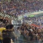 Torcida do Galo faz o seu barulho e não se cansa de provocar o rival. #trmineirao http://t.co/QOHRlFA7a9