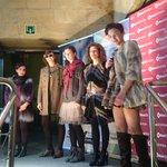 Increíble el pase del las modelos del público. #moda en #7kaleetanArropARTE en el Casco Viejo de #Bilbao http://t.co/AVqQ5YUVpY