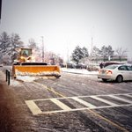 Crews work to make sure parking lots and sidewalks are as clear as possible. #nashua #wbz #snow http://t.co/onb2nlJ4W9