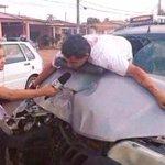 —Disculpa, ¿Chocaste?   —No, cerota así me gusta bajarme del carro. ¡HIJA DE PUTA! http://t.co/lr6ZNYp7F6