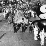 PHOTOS: Felix the Cat was the the first-ever-character balloon in Macys Day Parade. http://t.co/58BwVuj9Lk #parade http://t.co/fi3Wb7LX1U
