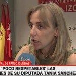 """Pregunta seria: Cuando Ana Botella sale en @tve_tve su rótulo también pone """"mujer de Aznar""""? http://t.co/quCBQ4OWkL"""