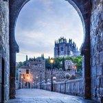 Portal medieval, Toledo, España. http://t.co/tfACvbYyV2