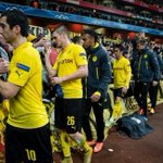 .@BVB players line up & thank fans that travelled to London to see them lose. Love this. Classy. http://t.co/5uAlTsh747