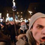 Украинские националисты готовы отправиться в США для подавления беспорядков среди афроамериканцев в Фергюсоне http://t.co/OLnlN2i8bj