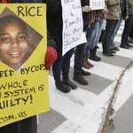 Police Gunned Down A 12-Year-Old And Somehow Local News Decided To Run This Story http://t.co/Gp7WqPK78y #chicago http://t.co/912fS6K6lR