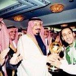 #الاسطوره_سامي_الجابر @SamiAlJaber  الوحيد الذي رفع كأس بطولة الخليج في الرياض سامي والبقية أسامي  #خليجي22 #الهلال http://t.co/edlCwNt4e2