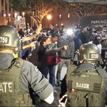 LOS ANGELES: Situation escalating as riot police clash with protesters. #LAPD #Ferguson http://t.co/osDtkGe5wU