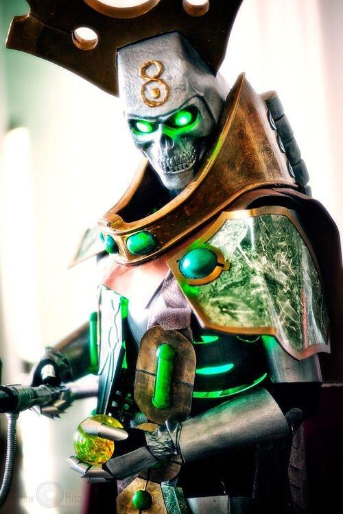 Necron cosplay at a whole new level of awesome. Why should HE be ever living? #warhammer40k #necrons #miniwargaming http://t.co/GQ9utdZrTS