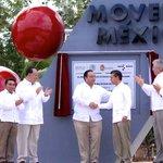 El Presidente @EPN y el Gobernador @betoborge reafirman su compromiso para #MoverAMéxico. @SCT_mx @gruizesp http://t.co/zqzkGmWBFn