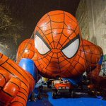 Photos, Video: Thomas The Tank Engine, Spidey Get Inflated For Thanksgiving Parade http://t.co/vsyT6s4Ug0 http://t.co/LKmgJ4qSTZ