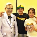With the chicken expert, Colonel Sanders. Salamat Colonel at @kfcphilippines sa so good surprise ???? #KFCThanksgiving http://t.co/jgRXv4xoII