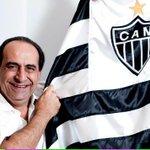 OBRIGADO, KALIL! O maior presidente da história do #GALO deixa o posto na próxima semana. Nossa gratidão é eterna! http://t.co/E1J6I35PaL