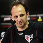 """VÍDEO: Rogério Ceni explica o que aconteceu na partida """"Time deu uma bambiada"""" http://t.co/lx1izBCiAP http://t.co/P4duWZWVXh"""