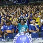 Cruzeirenses comemoram no Mineirão, apesar de nova derrota para o Galo http://t.co/HiUx6Z6Qfx http://t.co/afSdyYPDF5