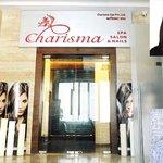 Priyanka Chopras property in #Mumbai used to run sex racket http://t.co/BRQ8ilPjlO http://t.co/1VAgrgNmod
