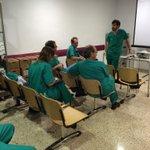 El dr Trinidad impartiendo el curso de técnicas en dolor en h puerta del mar de Cadiz en el congreso de la AAEAR http://t.co/zG0aA2wxfX