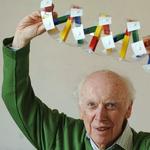 Биолог Джеймс Уотсон, открывший структуру молекулы ДНК, решил продать свою Нобелевскую медаль http://t.co/YfPrFv4EID http://t.co/ak9akYxDbs
