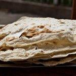 Традиционный армянский лаваш включен в список наследия ЮНЕСКО http://t.co/1Yf3Zwg40W http://t.co/Wi58szNr4U