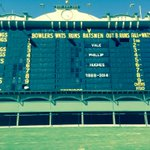Adelaide Oval pays tribute to Phillip Hughes. http://t.co/pSxibIxbpw